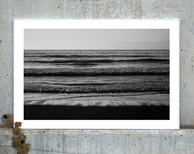Featured listing image: B&W / Pacific Beach Horizon / Limited Edition