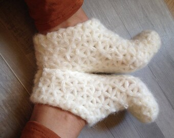 White slippers Crochet  cozy slippers Warm slippers for women Fluffy slippers House slippers Ladies slippers Gift for her Slippers for girls
