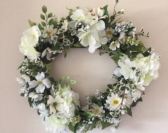 Wreath White Medium