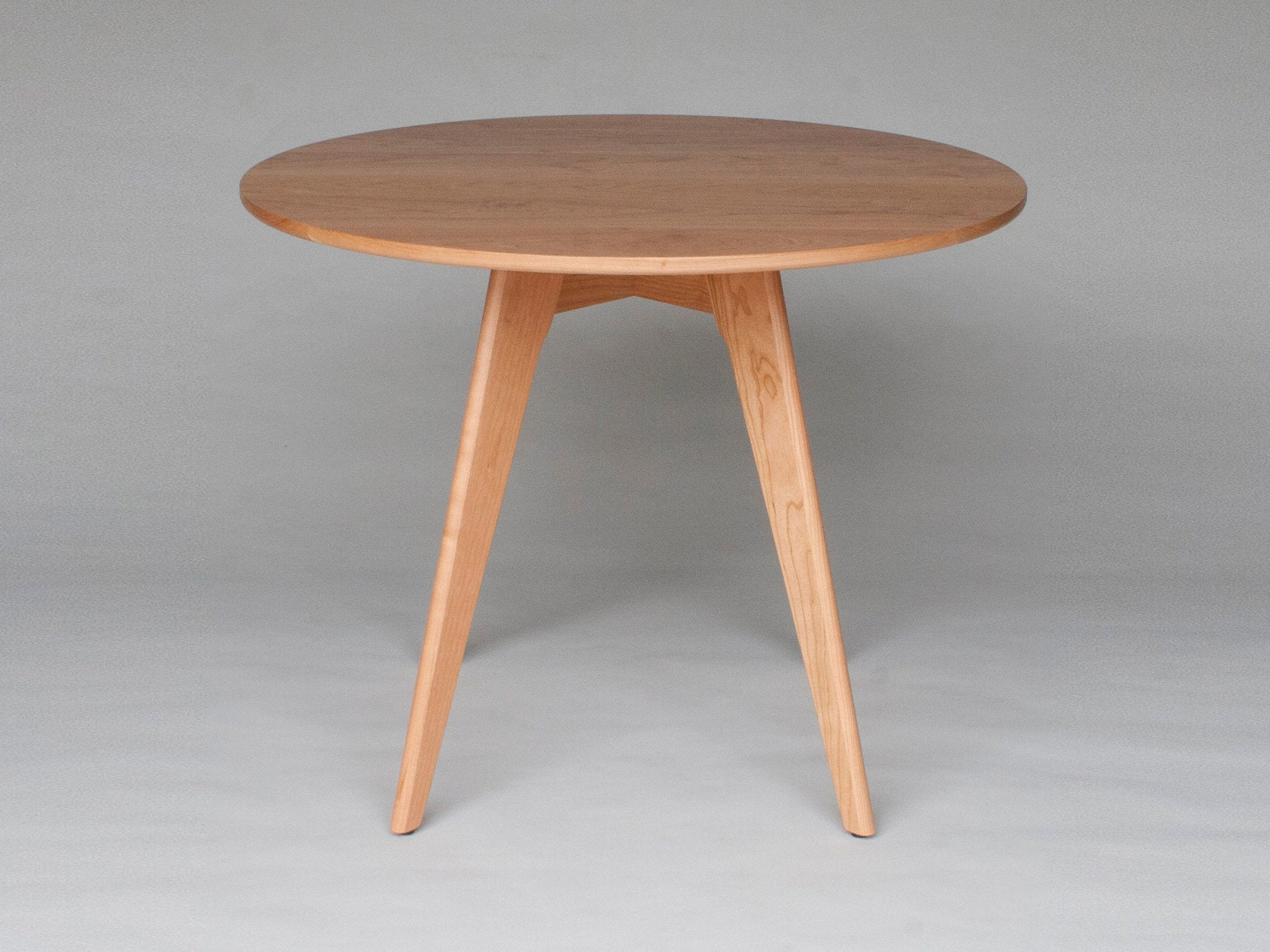 36 Inch Round Dining Table In Solid Natural Cherry Wood   Seats 4   Ships  Free