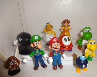 Mister A Gift set of 10 Super Mario And Luigi Characters Plastic Cake toppers