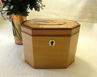 Vintage Bombay Company 8-Sided Octagon Shaped Wood Box with Lock ~ c1995
