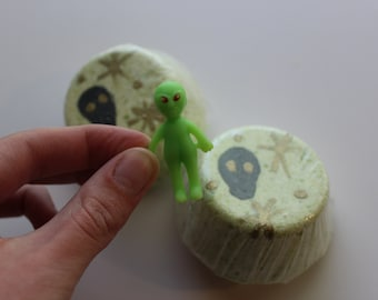 UFO Surprise Bath Bomb