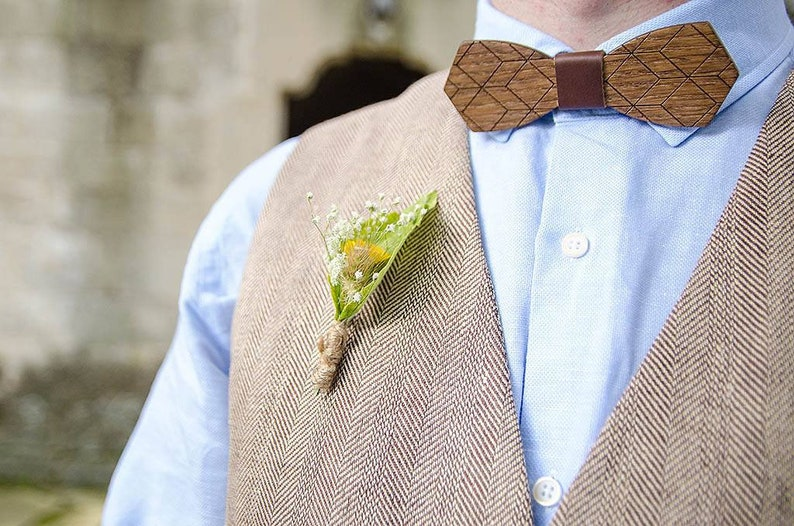 a72276bfa511 Wooden Bow Tie Men Bow Tie Usher Wood Bow Tie Wedding Bow | Etsy