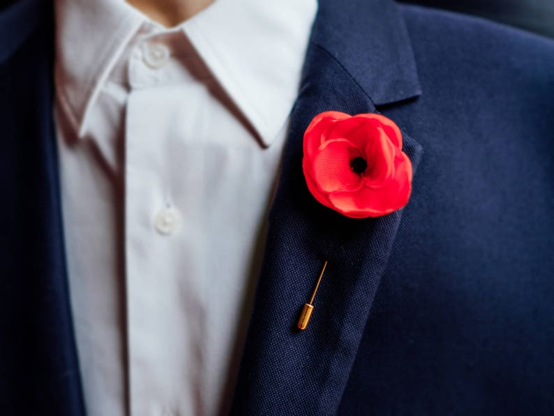 Flower Lapel Pin, Men Gift, Poppy Pin, Remembrance Day, Red Lapel Pin,  Poppy Flower Boutonniere, Usher Gift, Men Pin,Wedding Poppy Pin
