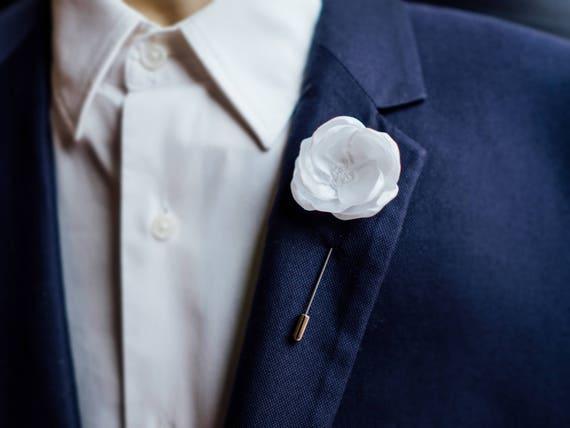 Flower Lapel Pin, Wedding Boutonniere, White Lapel Pin, Father Gift, White  Boutonniere, Engagement Gift, Men Boutonniere, Wedding Lapel Pin