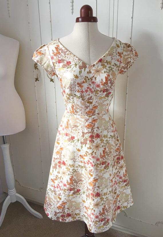 Sukienka W Serek Wykonane Do Pomiaru Sukienka Vintage Etsy