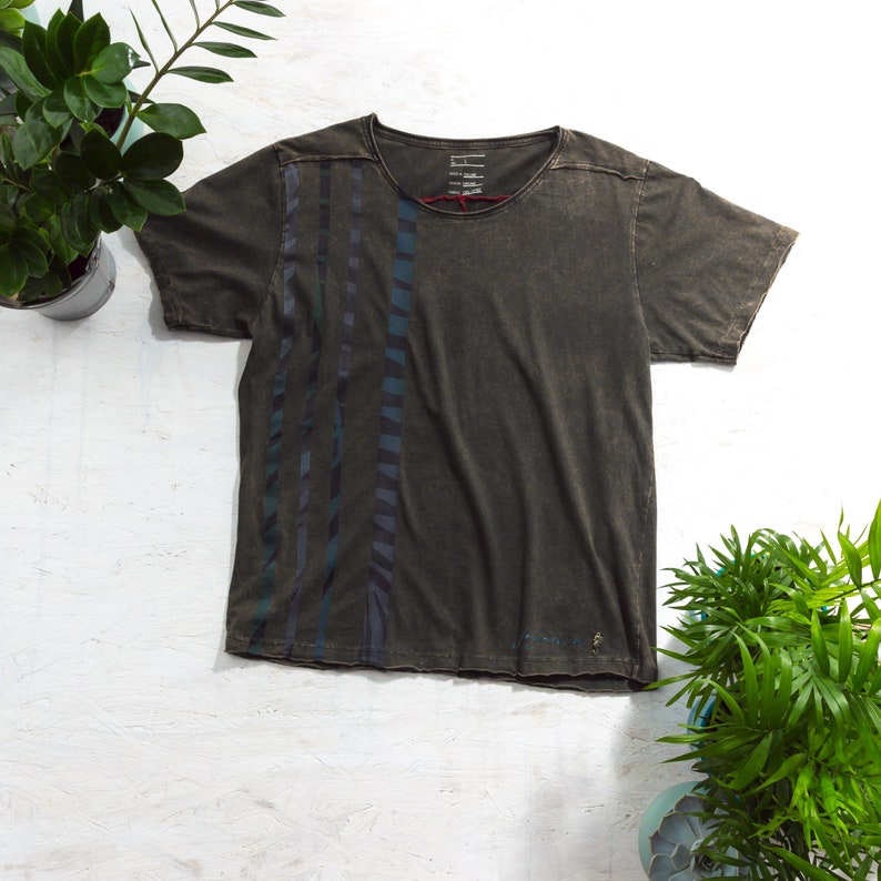 Special T-Shirt Hand Painted T-Shirt Alternative Clothing image 0