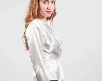 DEADSTOCK Satin Like Peplum Blouse 80s does 40s Ivory Top White Blouse Buttons up Back Lauren Bacall Retro Art Deco Blouse