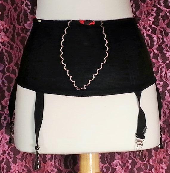 1940's vintage ladies garter belt