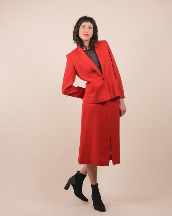 70s minimalist skirt suit / lightweight suit / wov