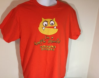 52010d43 WAFFLE HOUSE I'm a Waffle Monster -- T-Shirt Adult - L v