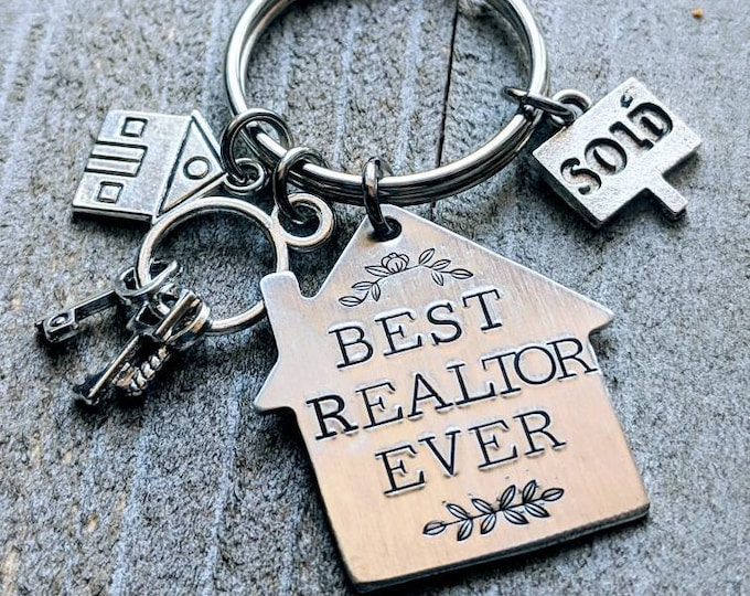 Realtor Gift. Best Realtor Ever. Homeowner. House warming. Gift. House keychain. New home. Real Estate.