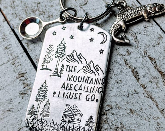 The Mountains are Calling. Adventure Awaits. Camping Keychain. RV, Camper Keychain. Travel. Traveller. Outdoors. Mountains.