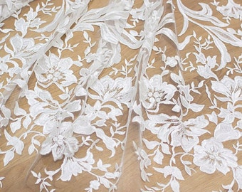 Latest fashion embroidery lace fabric tulle bridal lace fabic guipure french lace fabric for wedding dress