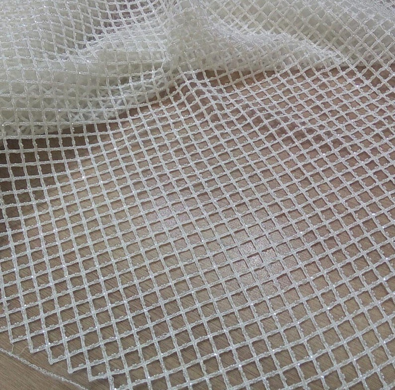 Fashionable wedding lace fabric tulle beaded lace guipure lace fabric for party dress elegant fashion dress accessories