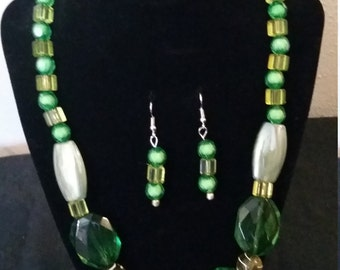 Green mix necklace Sk15