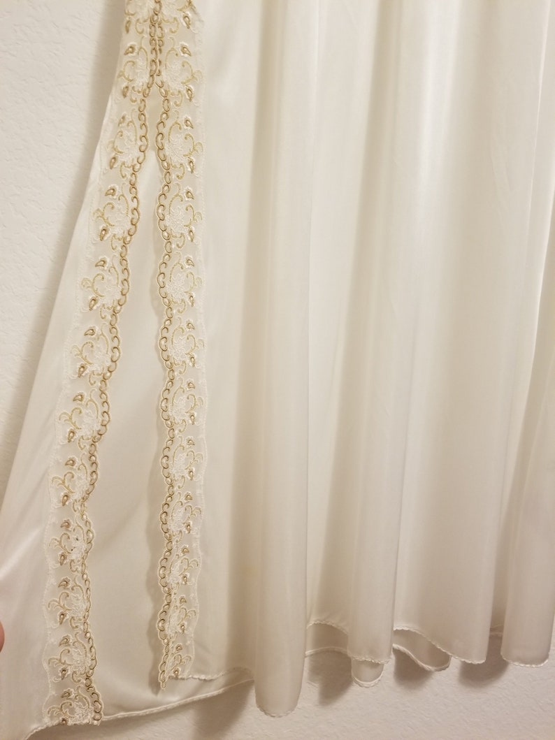 Gorgeous Vintage Full Length White /& Gold Butterfly Floral Embroidered Nightgown XL Negligee Dressing Gown Lingerie Intimates Gifts for Her