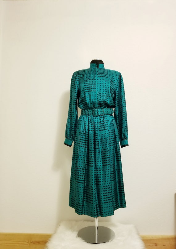 Big Shoulder Power Look Black Silk Dress Vintage 1980s Flowing Batwing Sleeves Frank Young Tag Modern Floral Design on Skirt