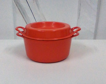 Orange casserole doufeu COUSANGES LE CRESET enameled cast iron.