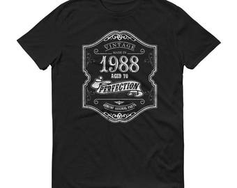 1988 Birthday Gift, Vintage Born in 1988 t-shirt for men, 31st Birthday shirt for him, Made in 1988 T-shirt, 31 Year Old Birthday Shirt