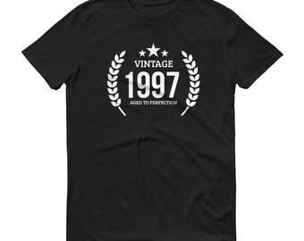 Men's 1997 Birthday Gift, Vintage Born in 1997, 21st Birthday shirt for him, Made in 1997 T-shirt, 21 Year Old Birthday Gift | BelDisegno