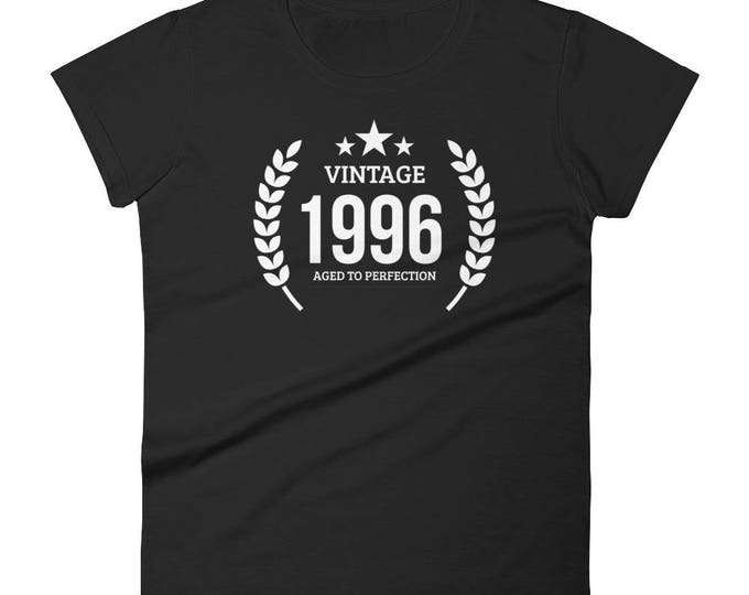 Women's 1996 Birthday Gift, Vintage Born in 1996, 22nd Birthday shirt for her, Made in 1996 T-shirt, 22 Year Old Birthday | BelDisegno