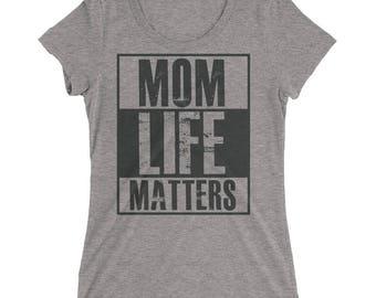 Women's Mom Life Matters t-shirt | BelDisegno