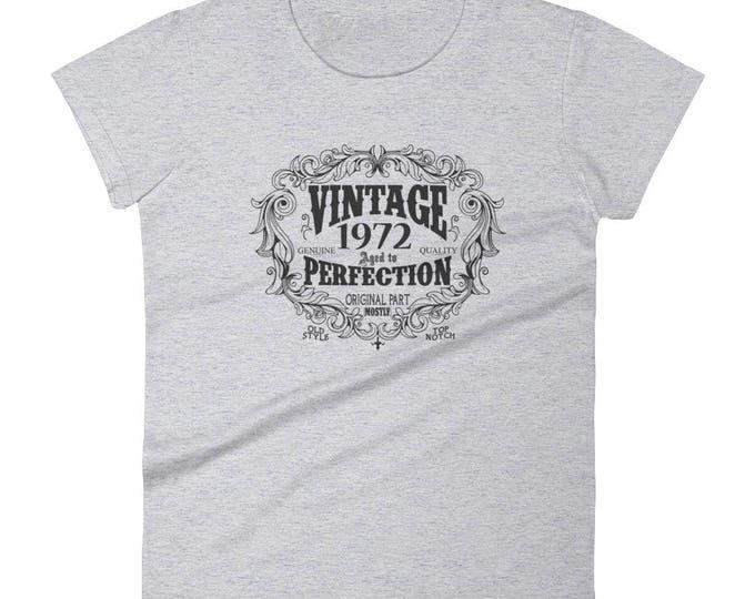 1972 Birthday Gift, Vintage Born in 1972 t-shirt for women, 47th Birthday shirt for her, Made in 1972 T-shirt, 47 Year Old Birthday Shirt