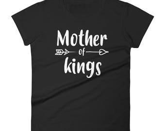 Women's Mother of kings t-shirt - mom of boys gift, mother of boys, mom of boys, mom shirt, funny mom shirt, mom gift   BelDisegno