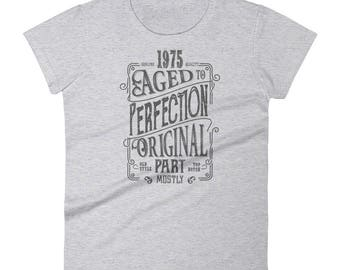 1975 Birthday Gift, Vintage Born in 1975 t-shirt for women, 44th Birthday shirt for her, Made in 1975 T-shirt, 44 Year Old Birthday Shirt