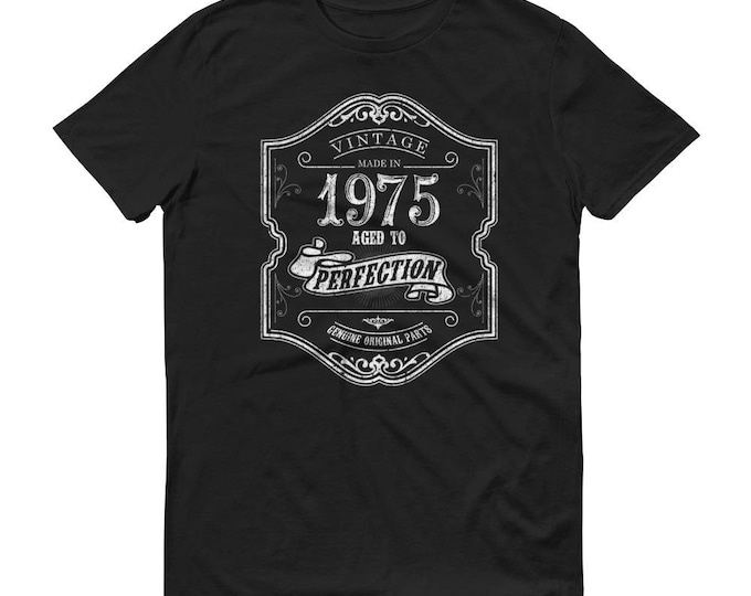 1975 Birthday Gift, Vintage Born in 1975 t-shirt for men, 44th Birthday shirt for him, Made in 1975 T-shirt, 44 Year Old Birthday Shirt