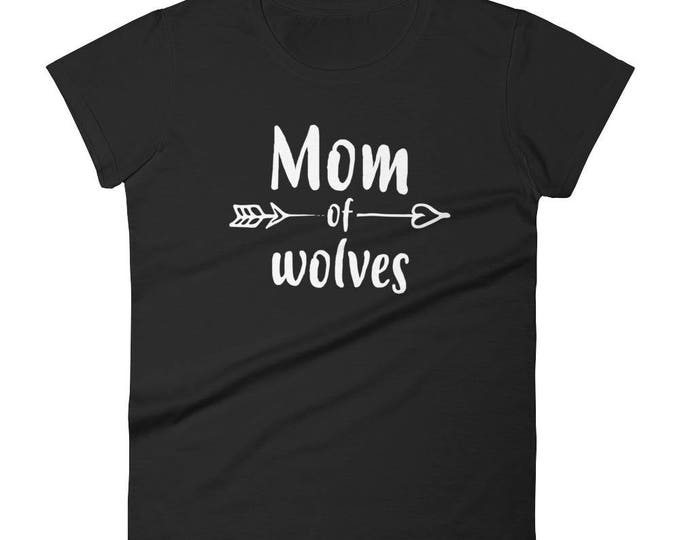 Mom of Wolves t-shirt - wolf gifts for her, mom of twins, mother of twins, mom of boys