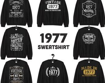 1977 Birthday Gift, Vintage Born in 1977 Sweatshirts for men women, 44th Birthday Made in 1977 Sweatshirt Custom 44 Year Old Birthday Shirt