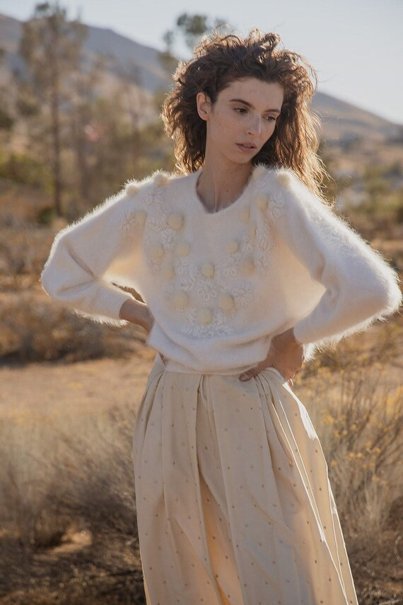Amari - Angora Vintage Sweater