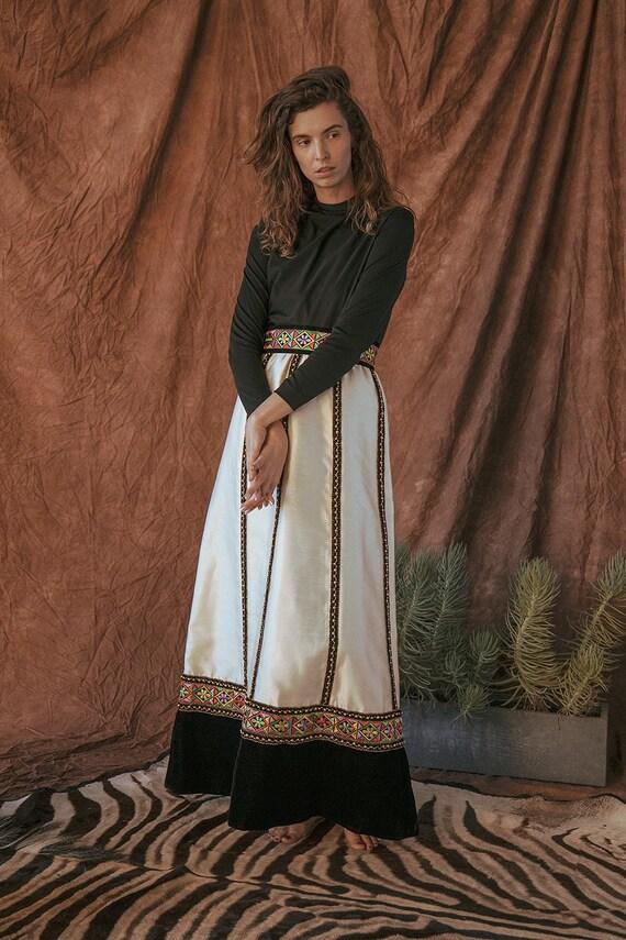 Annika - Folk Dress