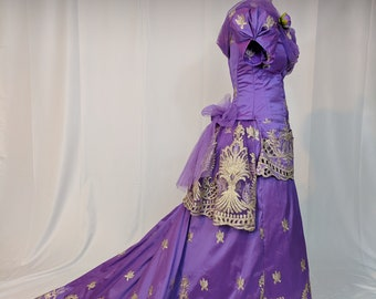 Victorian Gilded Age Natural form gown in Lilac embroidered silk