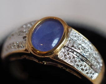 Absolutely gorgeous vintage 14K yellow and white gold Lavender Jade and Diamond ring