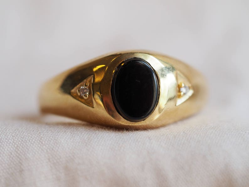 fa47b64e9438a Handsome and sleek vintage 10K yellow gold Onyx and Diamond ring