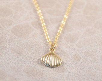 gold seashell necklace, gold sea shell necklace, gold nautical necklace gift, seashell necklace, gold seashell, shell necklace, nautical