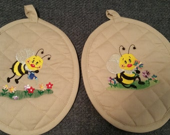 Busy Bees Hot Pads