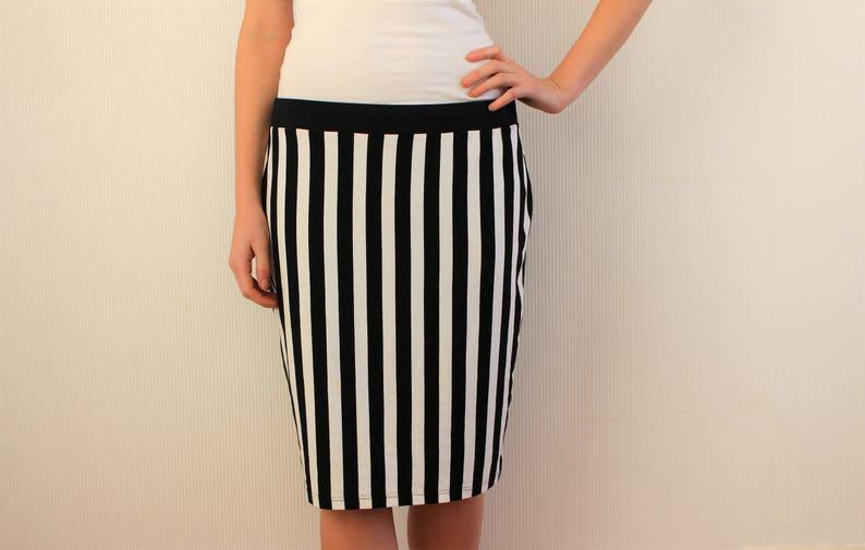 f1bbce968 Striped skirt JUFFROUW JANSEN Elastic Waist Wide stripes Skirt | Etsy