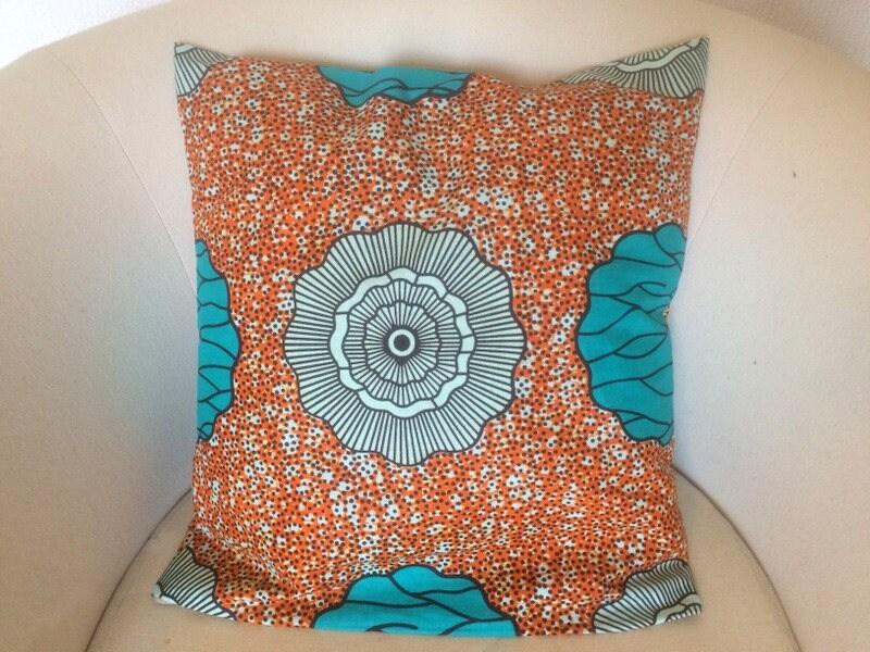 housse de coussin 45x45 cm en tissu motif africain wax 3. Black Bedroom Furniture Sets. Home Design Ideas
