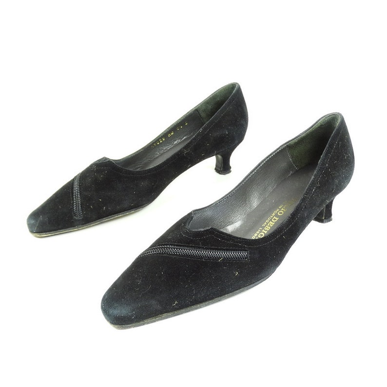 20cb9afa744 Black Velvet shoes size 5 suede shoes 1950s STYLE 50s shoes women size 35  50s kitten heels black leather pumps velvet pumps vintage