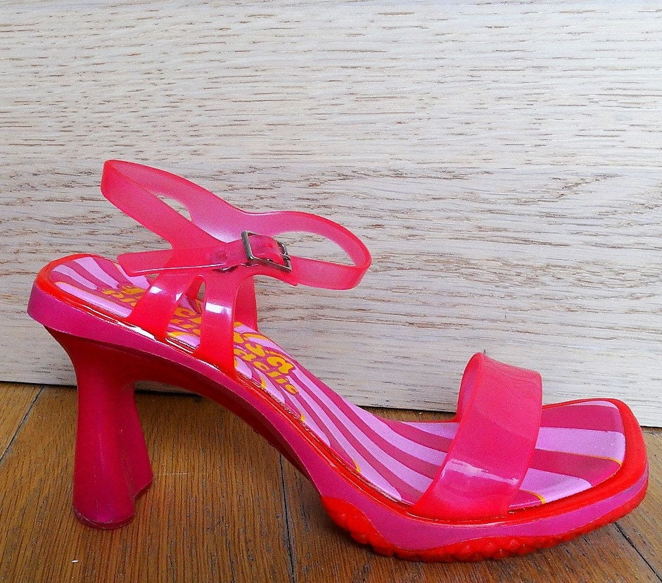 8650b77c1d47 Barerfoot sandals pink heels size 6 pink sandals transparent