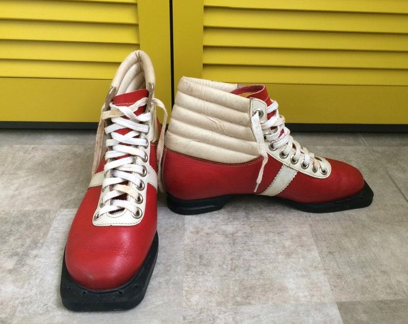 Chaussures de ski rétro années 1950 chaussures de ski de ski de fond chaussures de ski 50s chaussures de ski chaussures de ski rouge chaussures lacets