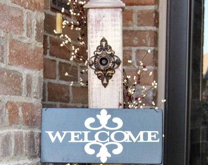 Rustic Sign Post with Welcome Sign