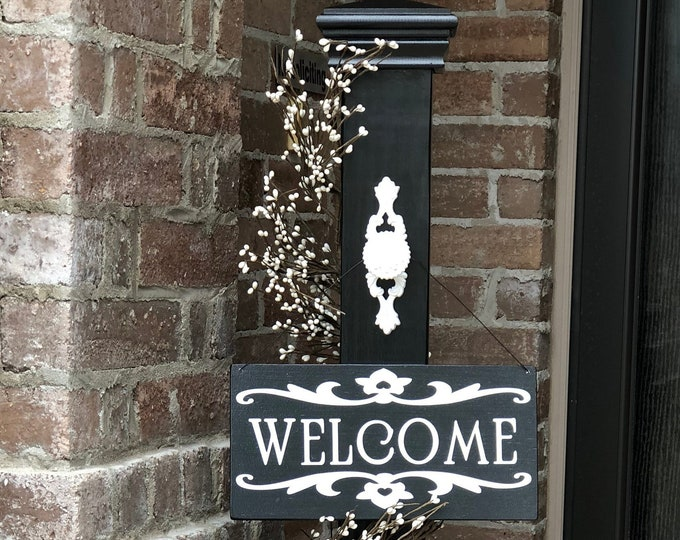 Decorative Welcome Porch Post with Decorative Welcome Sign