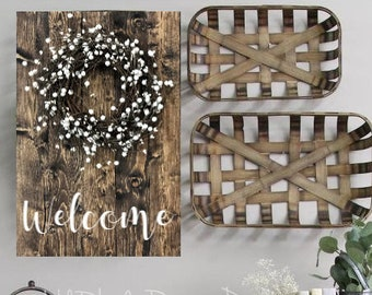 Welcome Rustic Wood Sign with Pip Berry Wreath