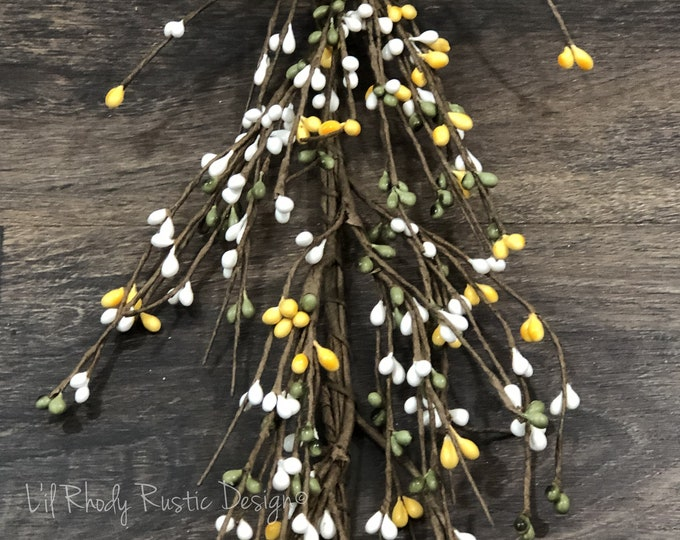 Sage, Yellow and White Pip Berry Garland
